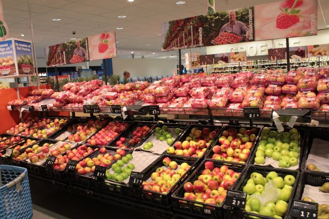 オランダで売っている沢山のりんご