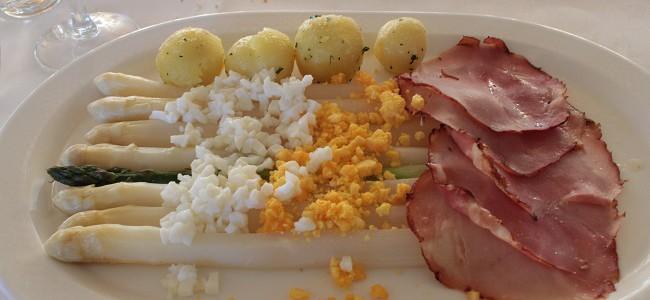 オランダで季節限定ホワイトアスパラガスを食す