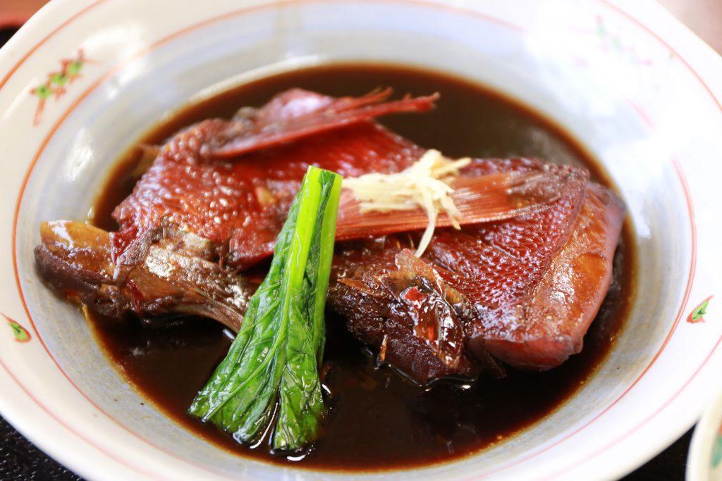 下田魚市場の市場の食堂 金目鯛の煮付け